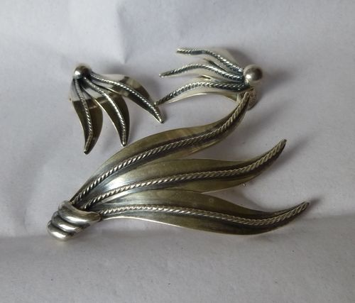 Denmark B Margossian leaf brooch & clip earrings