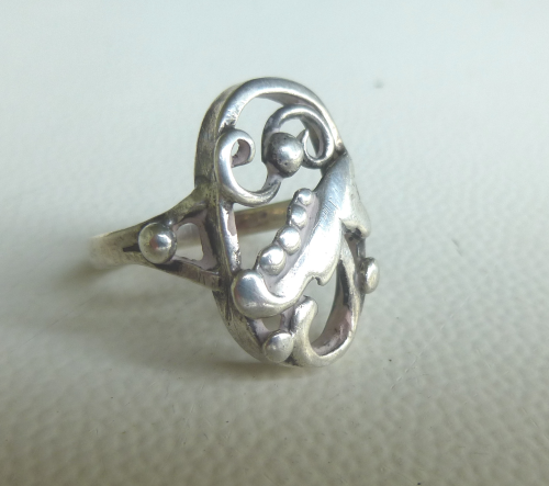 Danish silver foliage ring, size L