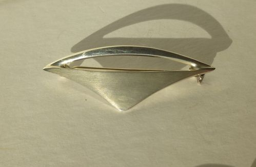 Warmind Sterling aerodynamic brooch, no.60