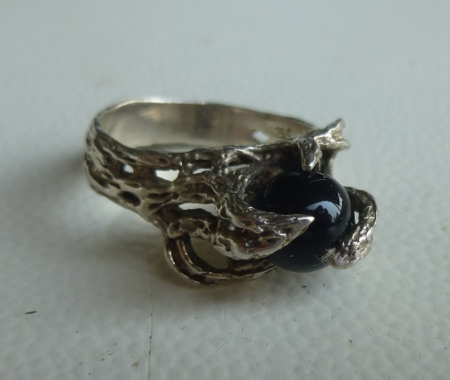 RNS Sterling claw ring with black ball, Size M-N