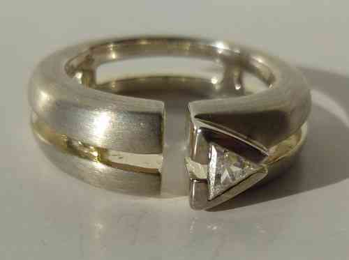 Aagaard geometric ring with stone, size L