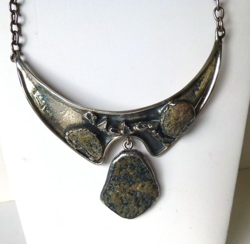 Jacob Hull unica silvertone and stone necklace