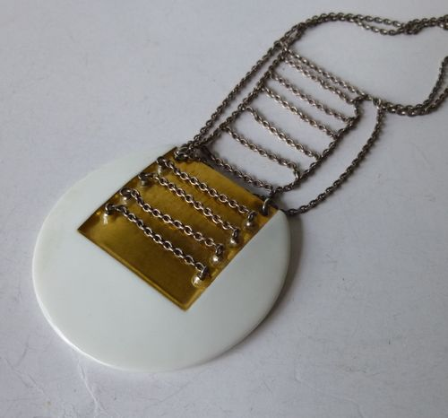 Royal Copenhagen Porcelain / A Michelsen / porcelain and gold necklace