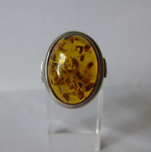 Amber Sterliing ring, size, size O / 7.5 / 55-56