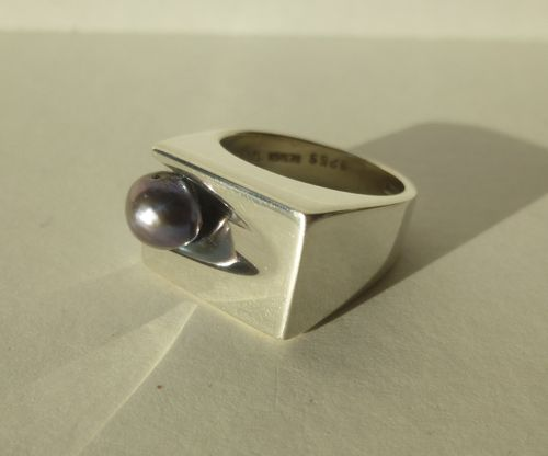 Alton Per Dåvik large Sterling ring with grey pearl, size S /9