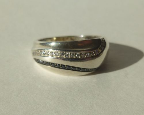 BoG Sterling ring with wavy lines of stones. , size Q, 8.5, 58