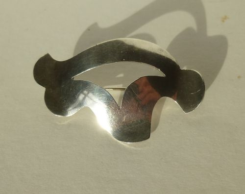 Hugo Grün Sterling silver freeform brooch