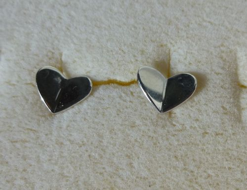 Scrouples Sterling silver heart ear studs