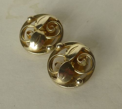 Danish silver round foliage ear clips