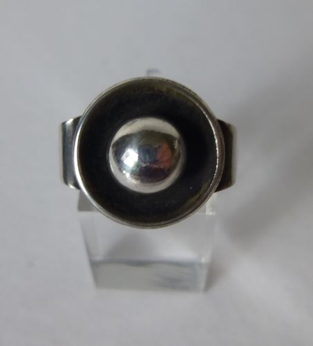 Danish silver ring with ball in oxidised dish, size  R / 8.75 / 58-59