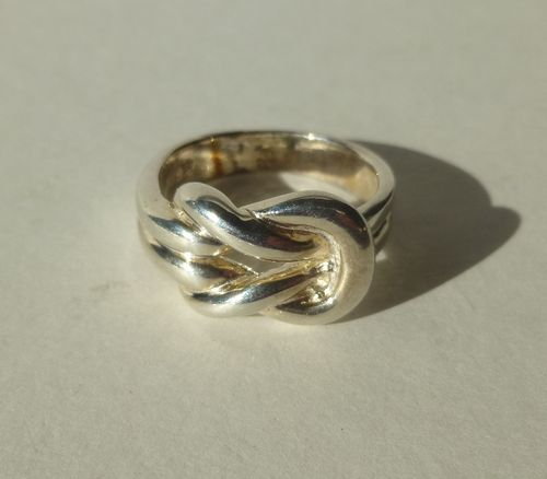 Bernhard Hertz Sterling silver knot ring, size P, 7.75, 56