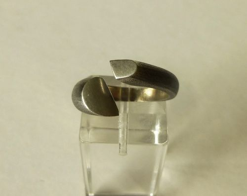 Bent Larsen Sterling silver oxidised ring, size O-P, 7.5