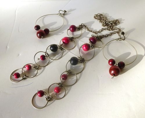 Iceland? red balls necklace and earrings